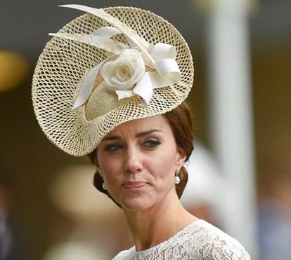 Kate quer  fazer cirurgia plástica