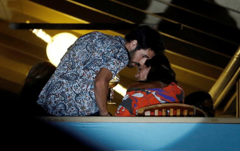 O casal está junto há cerca de dois anos. Maria, filha da atriz, ficou entregue ao pai, Pedro Teixeira