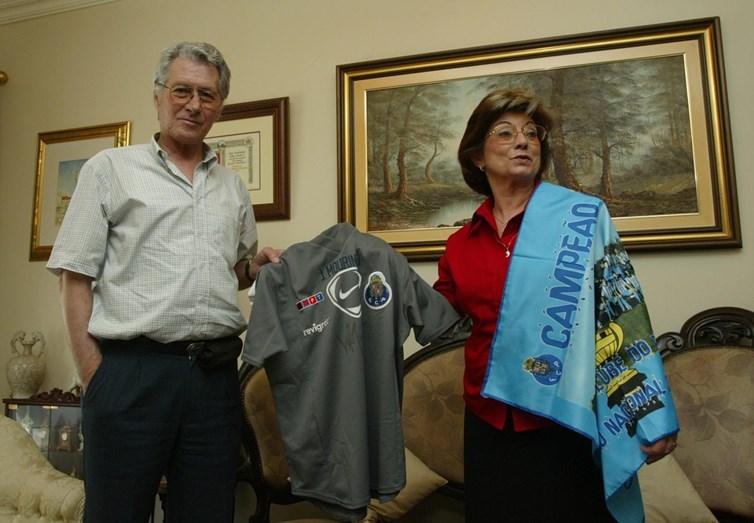Os pais de José Mourinho, Félix Mourinho e Maria Júlia, quando ainda estava tudo bem com a saúde do antigo guarda-redes.