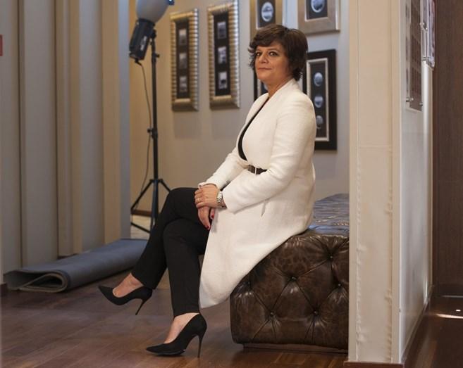Júlia durante a sessão fotográfica que fez com os filhos para a sua revista.