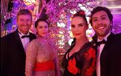 Sofia Ribeiro ousada no luxuoso Baile do Copacabana Palace