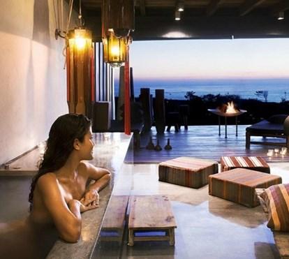 8 hotéis incríveis com jacuzzi no quarto