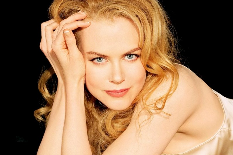 Nicole Kidman e Figo juntos no Global Shopping Festival