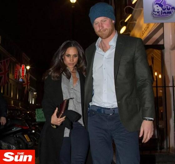 Meghan Markle e Harry juntos nas ruas de Londres