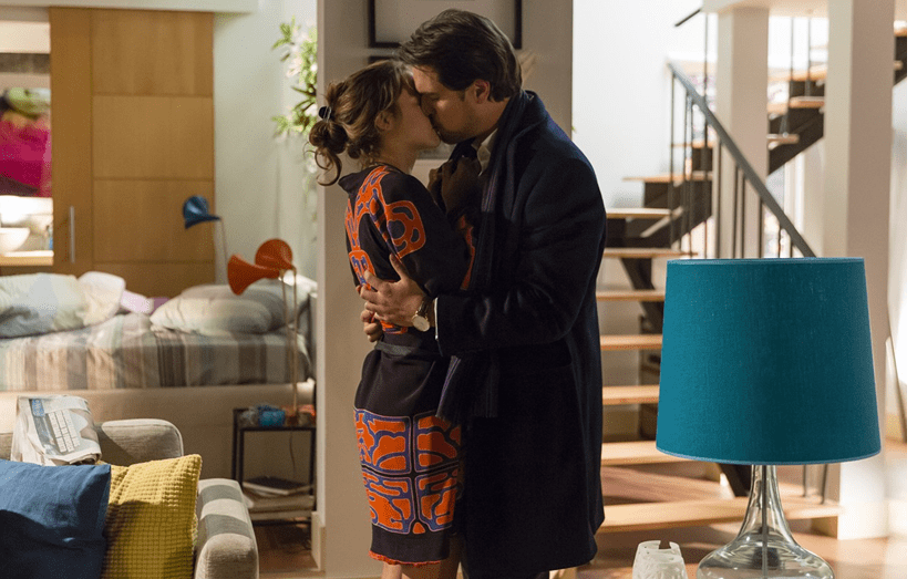 Num beijo apaixonado na novela da TVI