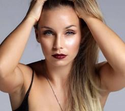 Saiba quem é a cartomante que decide tudo na vida de Luciana Abreu