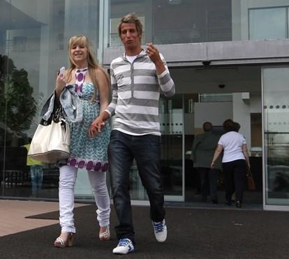 Fábio Coentrão passa dias em família em Lisboa antes de assinar pelo Sporting