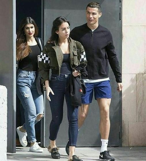 Georgina Rodriguez e a família de Cristiano Ronaldo