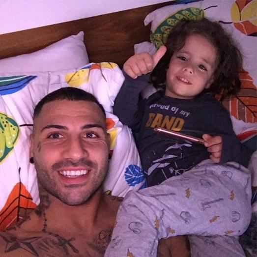 Ricardo Quaresma e o filho a descansar