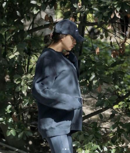 Irina já não consegue esconder, é evidente a barriga da modelo