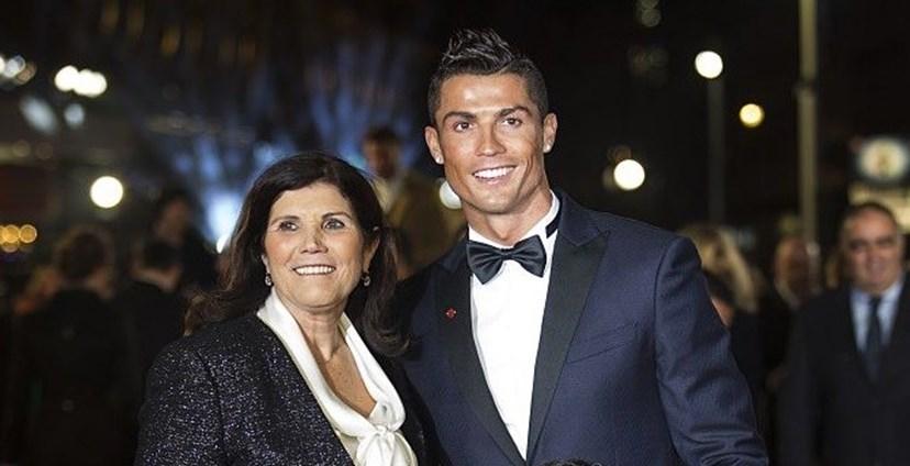 Cristiano Ronaldo com a mãe