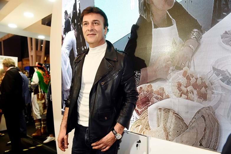 Tony Carreira no evento da Bolsa de Turismo de Lisboa, no 'stand' de Trás-os-Montes