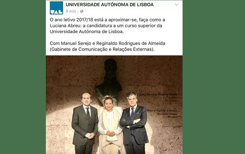 A atriz com Manuel Serejo e com Reginaldo Rodrigues de Almeida, dois dos responsáveis pela UAL, quando anunciou que iria estudar Ciências da Comunicação