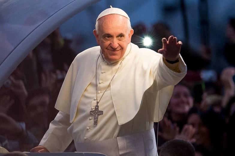 Segundo a profecia da vidente Jacinta Marto, o Papa sofrerá um atentado no Santuário Mariano, em Portugal.