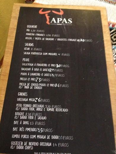 Ementa do restaurante Tapas, na Moita, intervencionado por Lujbomir Stanisic