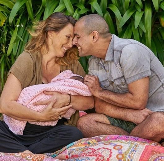 O casal com a filha Vitória