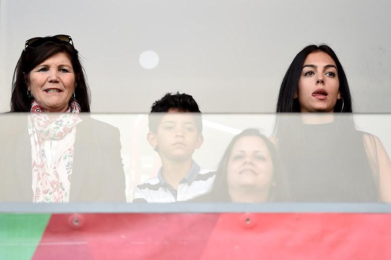 Georgina Rodriguez eleita por Cristiano Ronaldo para aumentar o clã