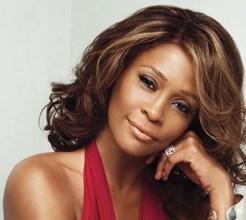 Revelado o amor lésbico de Whitney Houston com a assistente pessoal