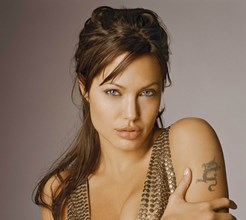 Angelina Jolie já engordou 24 quilos