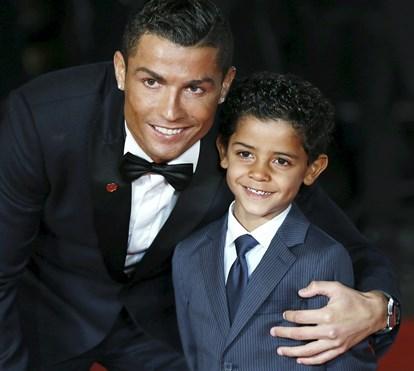 História repete-se: verão louco de Ronaldo antes da chegada dos gémeos