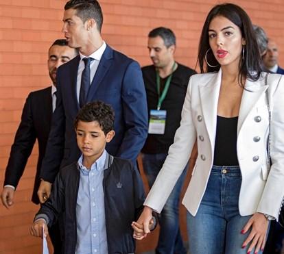 Ronaldo atrasa chegada de gémeos e Georgina cada vez mais próxima de Cristianinho