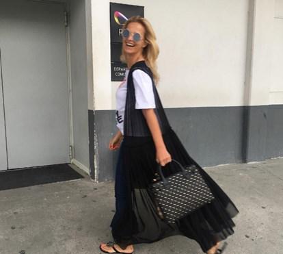 Cristina Ferreira à entrada dos estúdios de 'Apanha Se Puderes'
