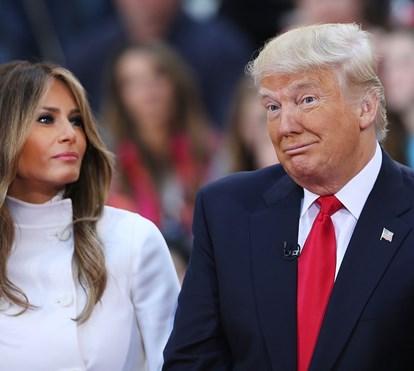 Melania corrige Donald Trump em pleno hino americano