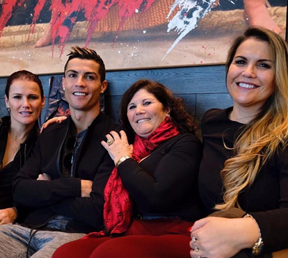 Saiba qual a opinião da família Aveiro sobre o polémico busto de Ronaldo