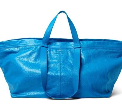Balenciaga inspira-se nos sacos Ikea