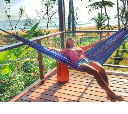 Mónica Jardim goza férias paradisíacas