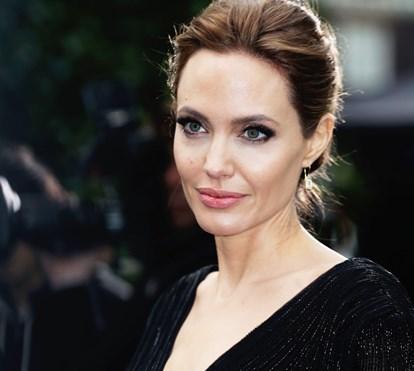 Angelina Jolie não é bem-vinda no seu novo bairro