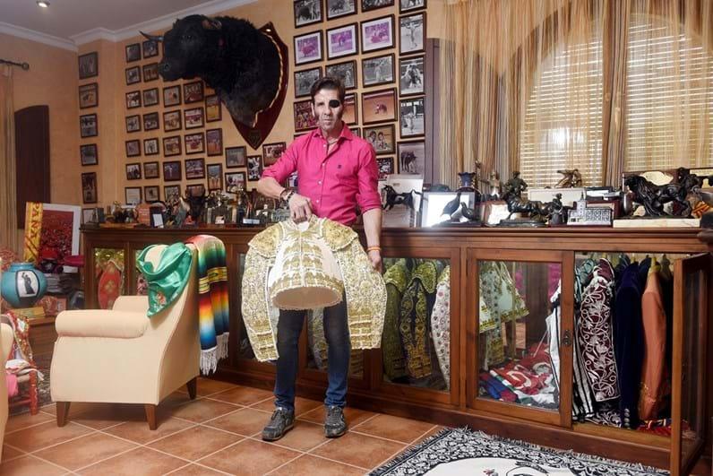 Juan José Padilla: O 'El Pirata' da arena mostra mansão luxuosa em Espanha