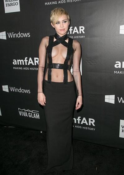 Imagens de Miley Cyrus nua divulgadas