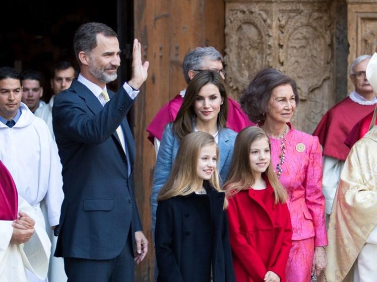Família Real Espanhola na missa do Domingo de Páscoa