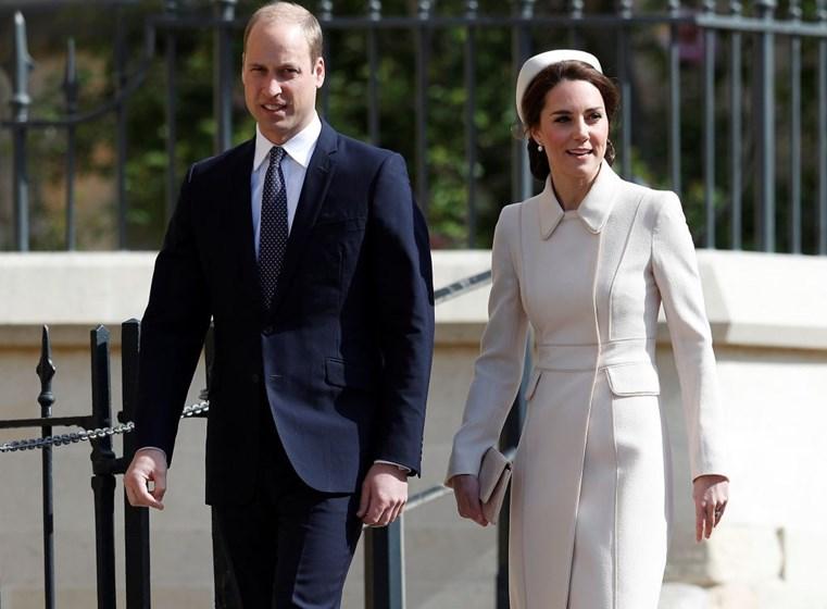 A missa de Domingo de Páscoa da Família Real Britância