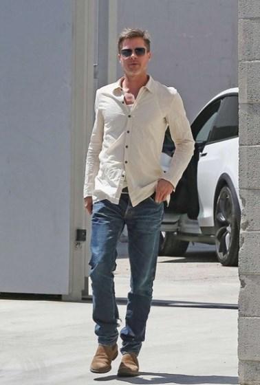 Após separação Brad Pitt surge ainda mais magro