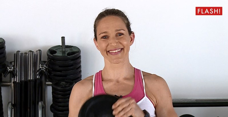 Alexandra Moraes começa operação biquíni: exercícios para pernas e glúteos