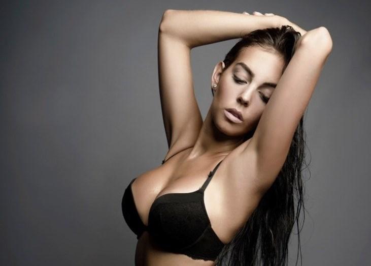 Georgina Rodriguez sensual