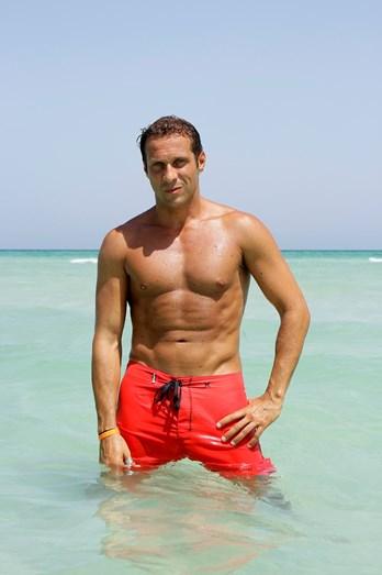 José Carlos Pereira tem feito várias presenças, em Portugal e na Suíça, por 1000 euros.