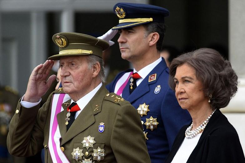 As três mais acarinhadas figuras da realeza espanhola, Juan Carlos, Sofia e o atual rei, Felipe VI