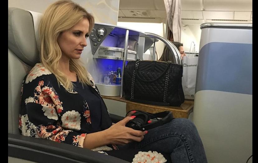 """Assim começou a aventura de Cristina Ferreira: """"Andei pela primeira vez num avião de 2 andares. Uma experiência única"""""""