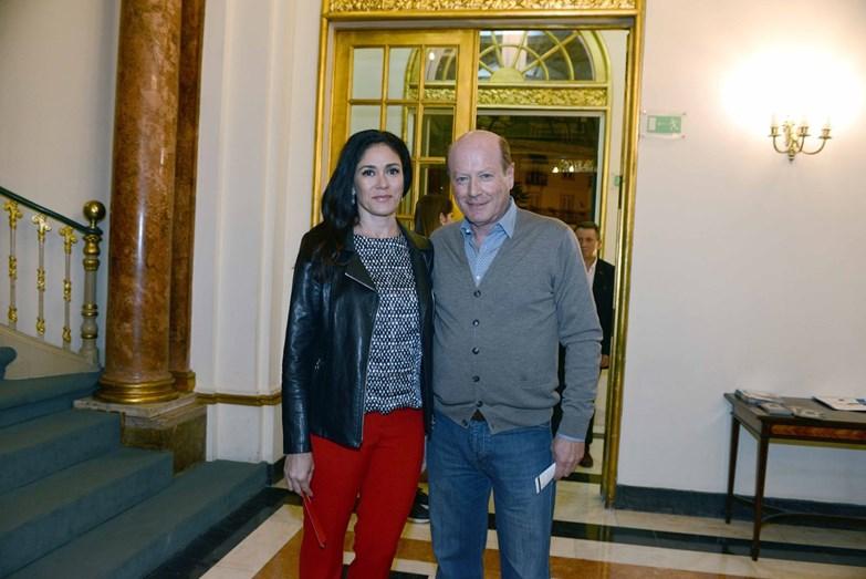 Luís Esparteiro acompanhado da mulher, Vanda Correia