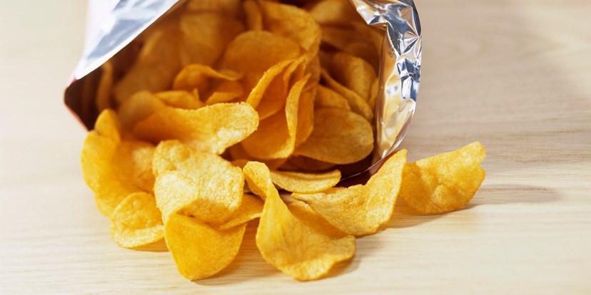 Porque é que não conseguimos parar de comer batatas fritas de pacote?
