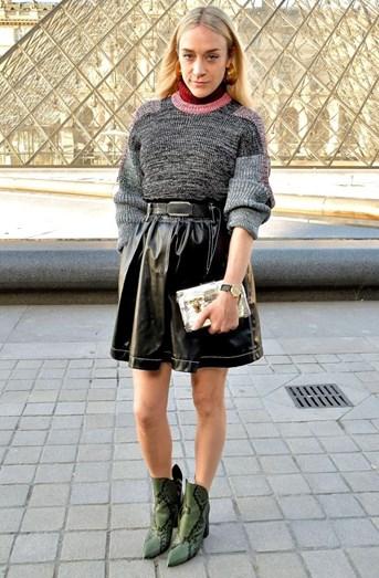 Chloë Sevigny levou um look de passerelle para as ruas de Paris