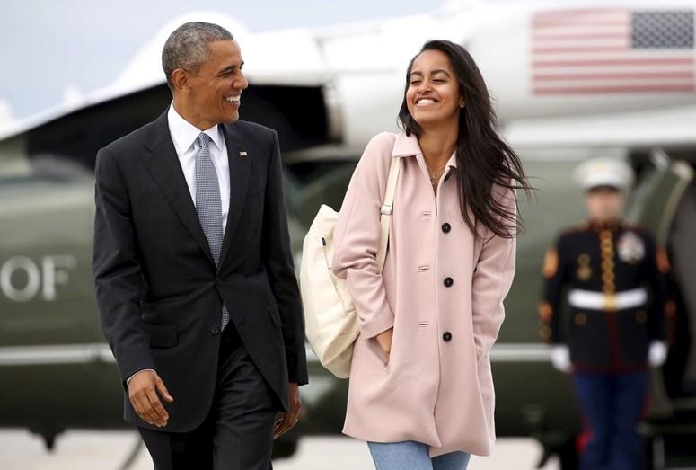 Barack Obama e a filha Malia bastante divertidos