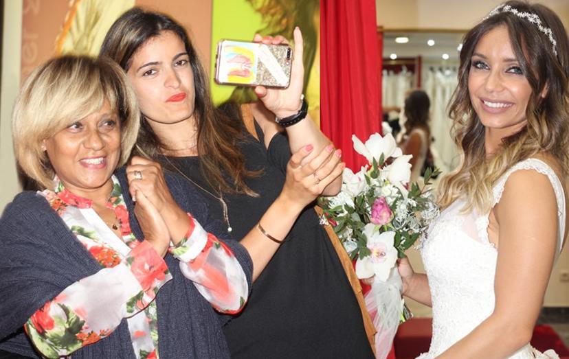 """Luciana Abreu e a """"família que adotou"""": Odette Raposo, a cartomante que é madrinha da Lyanii e Ana Micaela, a nova irmã."""