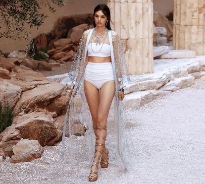 Deusas gregas no desfile Chanel Cruise 2018