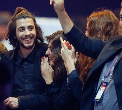 Salvador Sobral assume namoro com atriz belga em festival de música