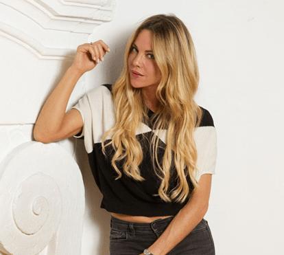 Oceana Basílio revela-se em dança sensual