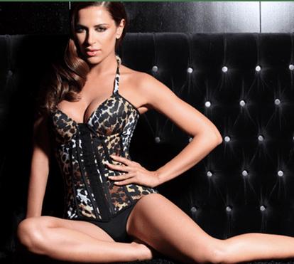 Dânia Neto volta a protagonizar momento sensual no varão